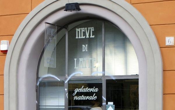 NEVE DI LATTE